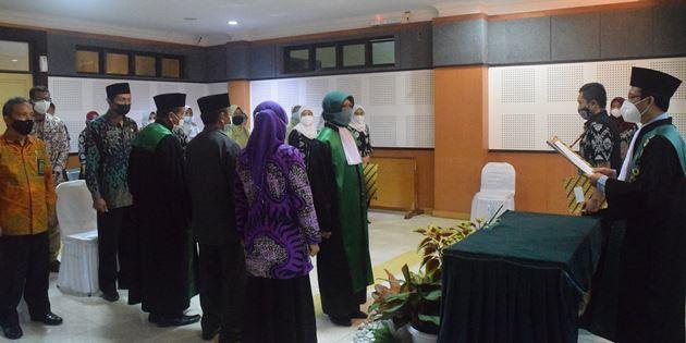 Dra. Hj. Noor Aini Resmi Menjabat Wakil Ketua PA Praya   (2/8)